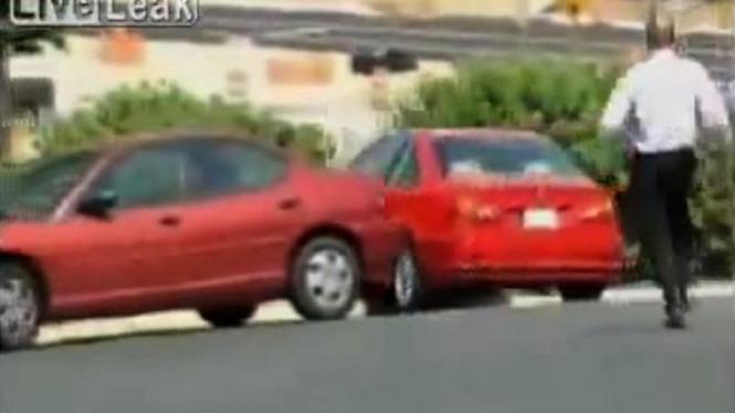 BMW Meluncur Tanpa Pengemudi