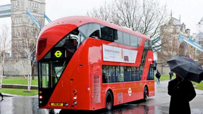 Bus Double Decker Baru di London