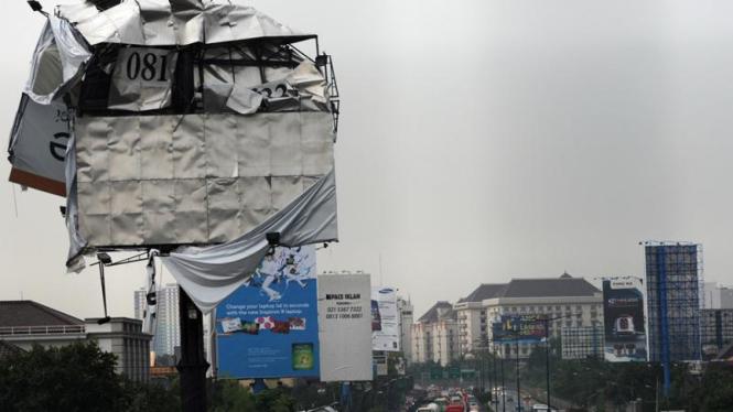 Akibat hujan deras melanda Jakarta