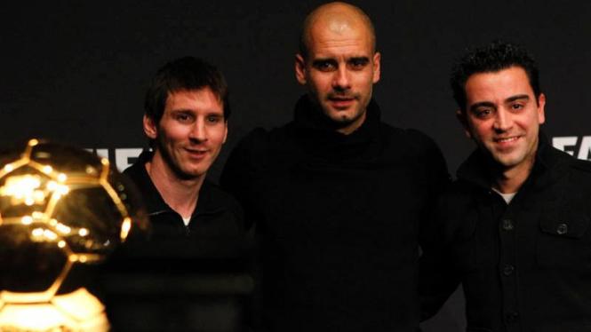 Xavi Hernandez bersama Pep Guardiola dan Lionel Messi