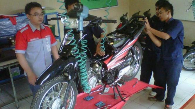 Motor Esemka