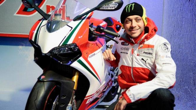 Valentino Rossi dengan Ducati 1199 Panigale di acara Wrooom