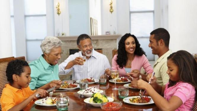 makan keluarga