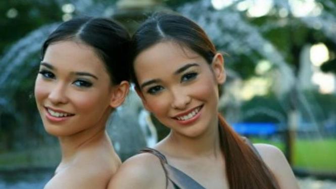 Wanita Kembar