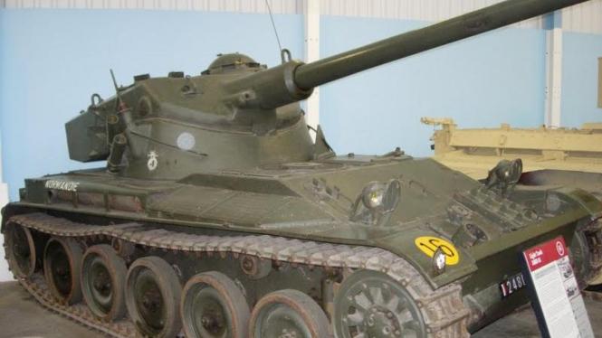 Tank AMX-13
