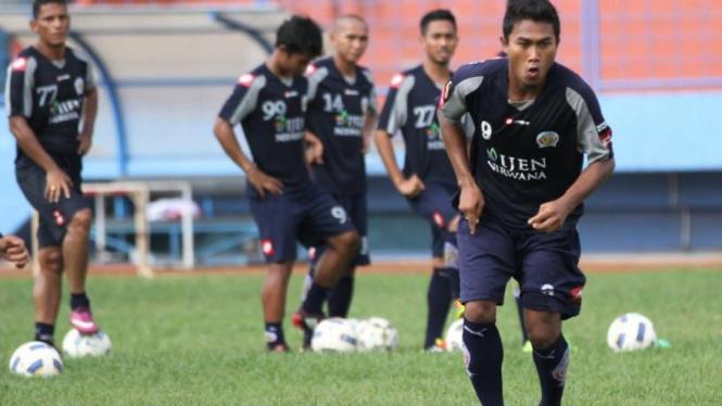 Latihan Arema Indonesia ISL