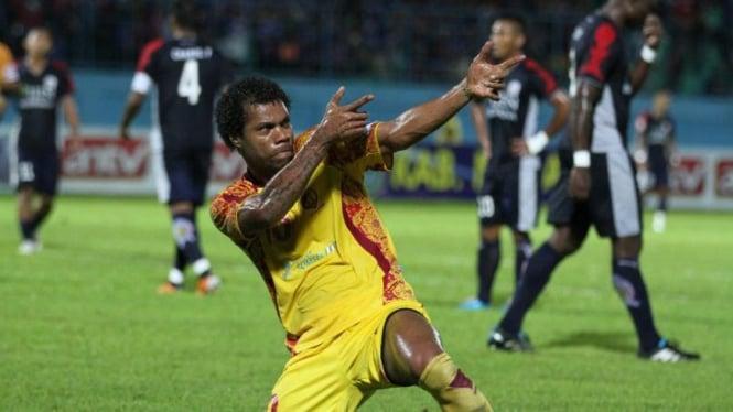 Striker Sriwijaya FC, Hilton Moreira