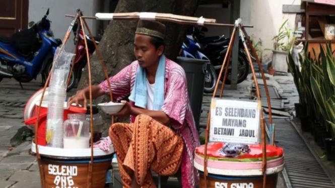 Penjual es selendang mayang
