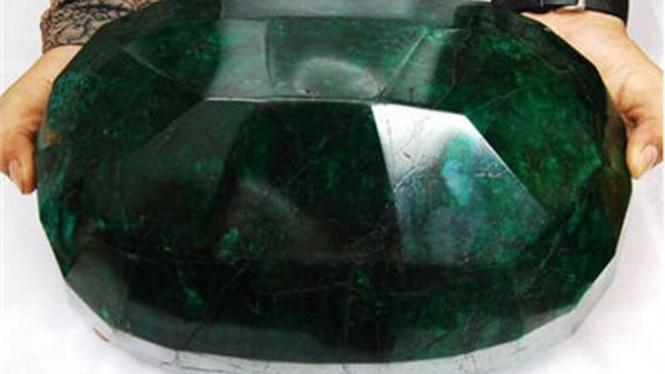 Batu zamrud terberat di dunia