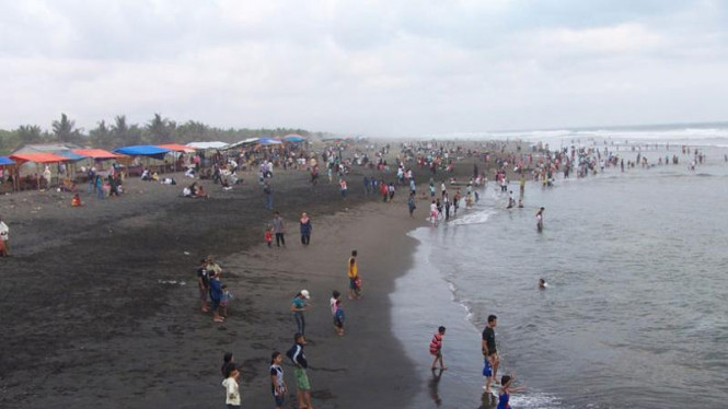 Pantai Suwuk di Kebumen