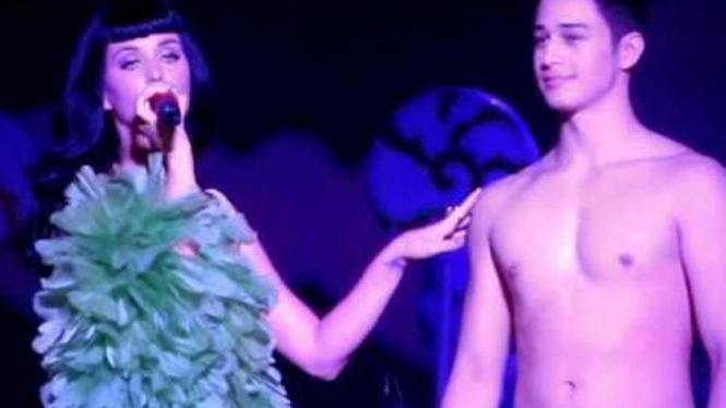 Katy Perry Konser di Filipina