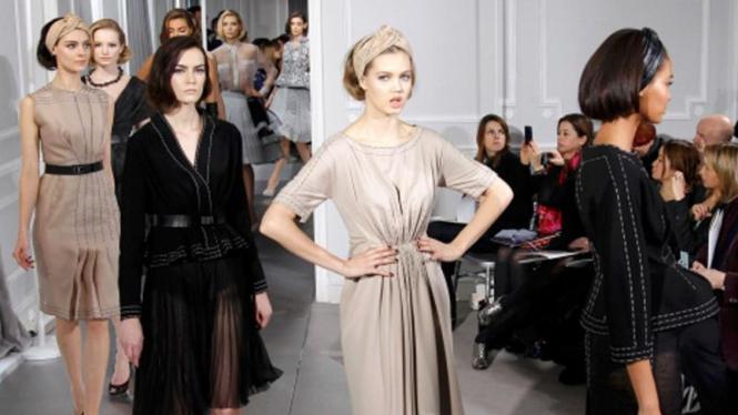 Koleksi Dior dalam Paris Fashion Week Spring/Summer 2012
