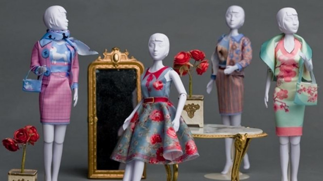 Mainan anak Dress Your Doll