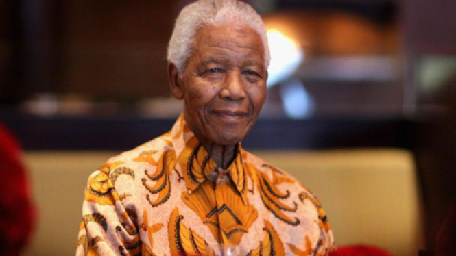 Nelson Mandela mencintai batik