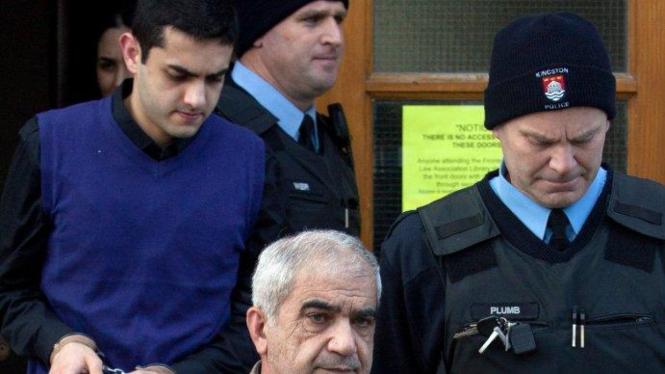Mohammad Shafia dan Hamed Shafia digiring polisi