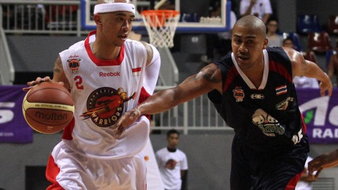 Indonesia Warriors Vs Slammers di Asean Basket League