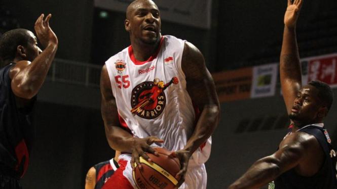 Indonesia Warriors Vs Slammers di Asean Basket League