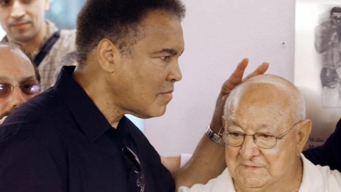 Muhammad Ali dan Angelo Dundee