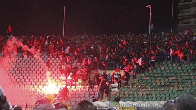 Kerusuhan suporter di Port Said Stadium, Mesir