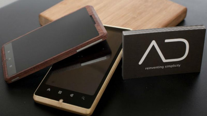 Adzero, smartphone berbahan dasar bambu