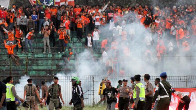 Ricuh Persija Jakarta vs Persiwa Wamena