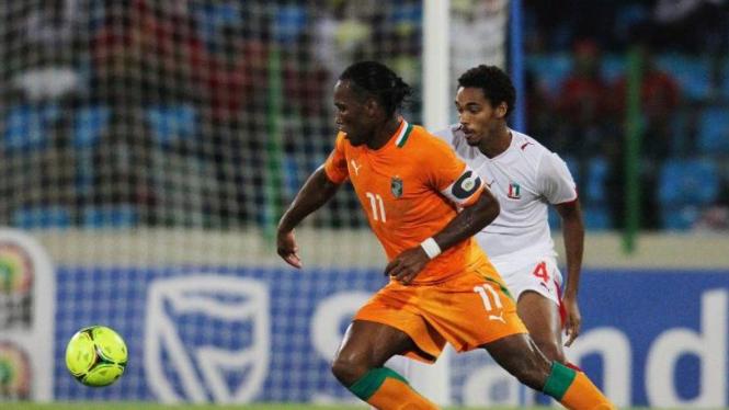 Striker Pantai Gading Didier Drogba saat melawan Equatorial Guinea