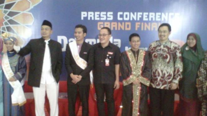 Pemenang Dai Muda Pilihan, M. Azhari Nasution (Jubah Hitam)
