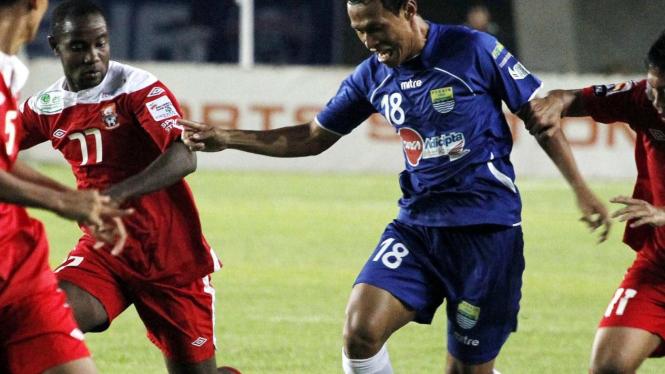 Pelita Jaya vs Persib Bandung