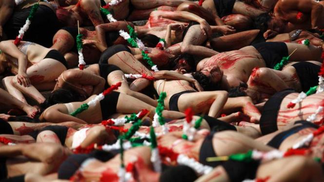 Protes Adu Banteng di Mexico
