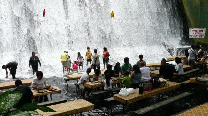 restoran air terjun