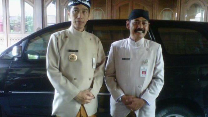 Jokowi: PNS Solo pakai busana adat Jawa
