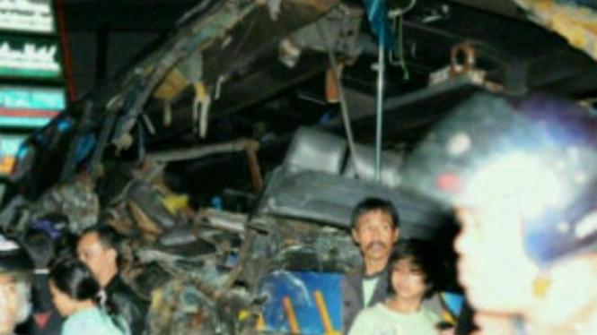 Kecelakaan Bus Karunia Bakti di Cisarua