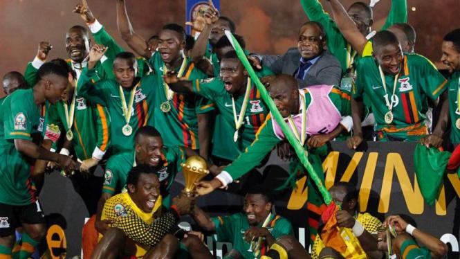 Pemain Zambia Merayakan Kemenangan Setelah Menjuarai Piala Afrika