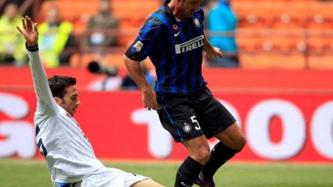 Pemain Inter Milan, Dejan Stankovic, saat lawan Novara