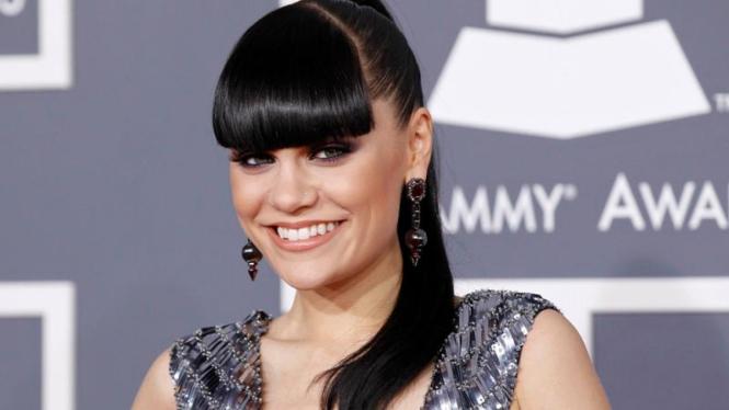 Jessie J di ajang Grammy Awards ke-54