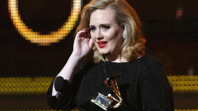Adele di ajang Grammy Awards ke-54