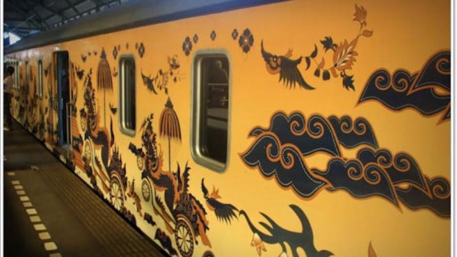 Kereta api batik Argo Jati