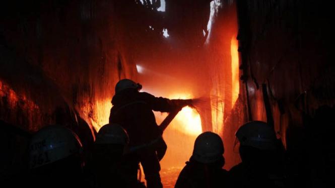 Kebakaran Pabrik Plastik di Kapuk