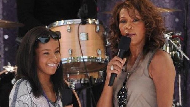 Whitney Houston  dan putrinya Bobbi Kristina