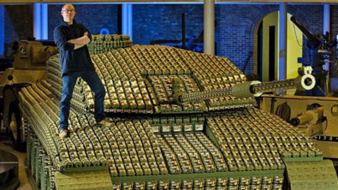 Tank terbuat dari 5.000 kardus telur
