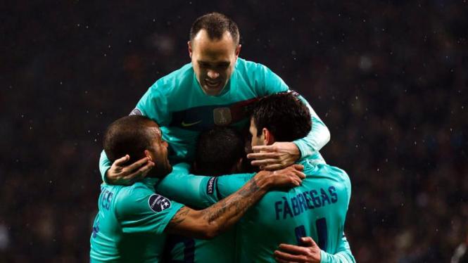 Pemain Barcelona Rayakan Gol Ke Gawang Bayer Leverkusen