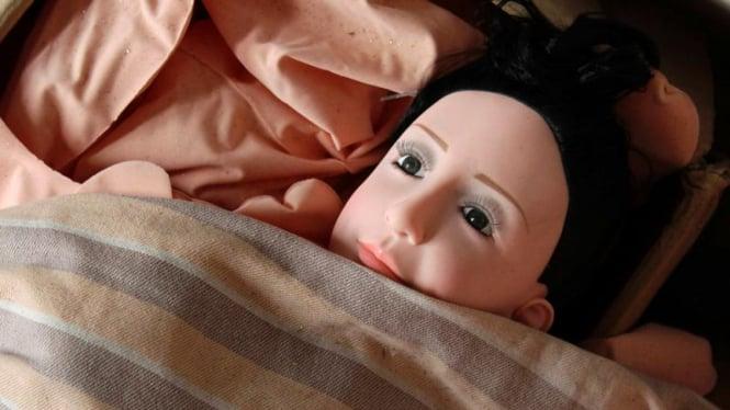 Boneka seks.