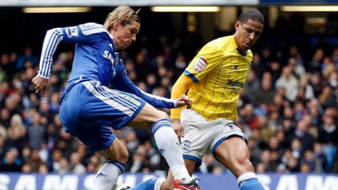 Fernando Torres (kiri) saat Chelsea melawan Birmingham City