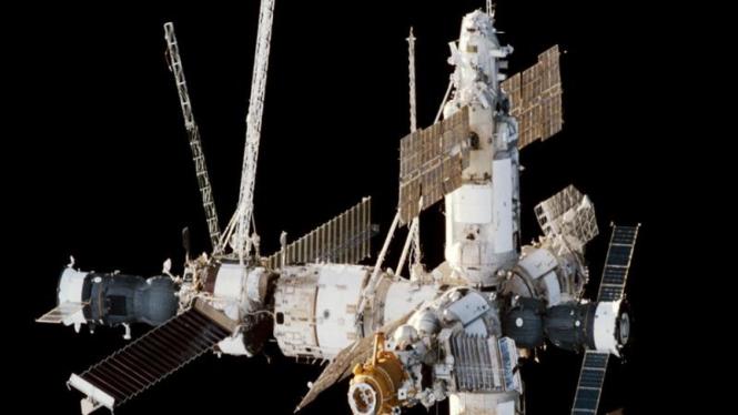 Stasiun luar angkasa Mir