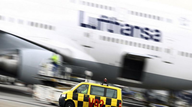 Pesawat Lufthansa di Bandara Internasional Frankfurt