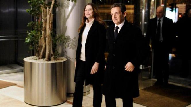 Penampilan Nicolas Sarkozy dan istri, Carla Bruni, 15 Februari 2012