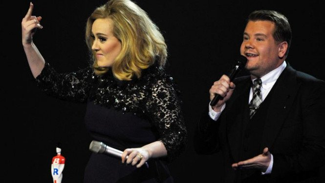 Adele di ajang BRIT Awards 2012