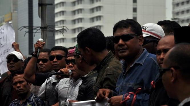 Demo Forum Masyarakat Indonesia Timur