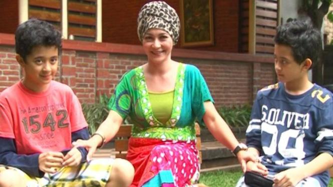 Firda Krussler Ibu dari Nakula dan Sadewa