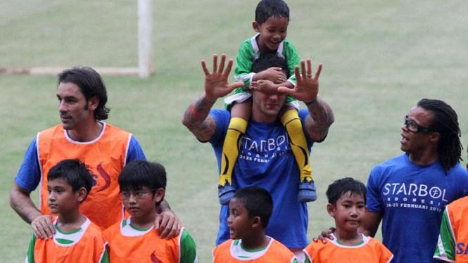 Coaching Clinic Oleh Bintang Sepakbola Dunia di Jakarta